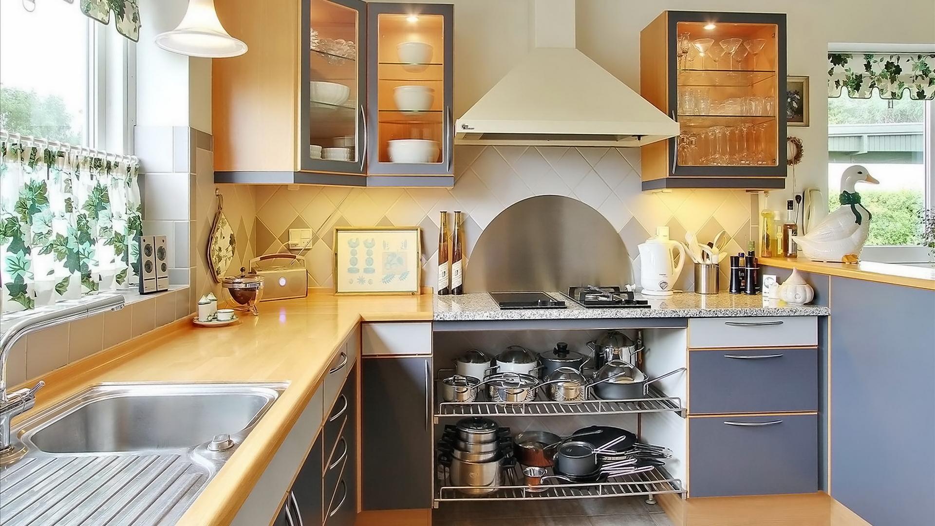 Дизайн угловой кухни на даче